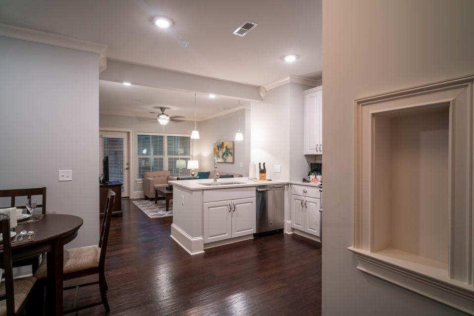 511 Queens Rd #2-401CU, Charlotte, NC - $4,190 USD/ month