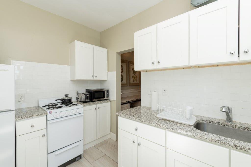 49 Worthington Street #12, Boston, MA - $2,575 USD/ month