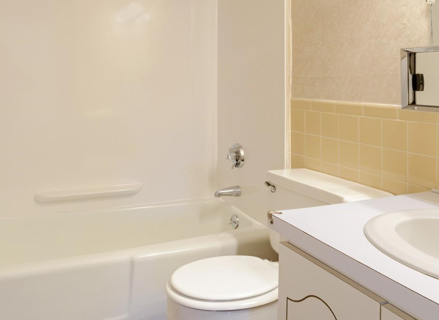 29 Duncannon Ave #010-8, Worcester, MA - $1,751 USD/ month