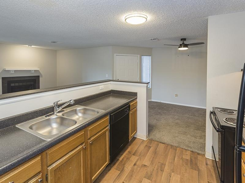 4008 Westmeadow Drive #4108-206 - 1460USD / month