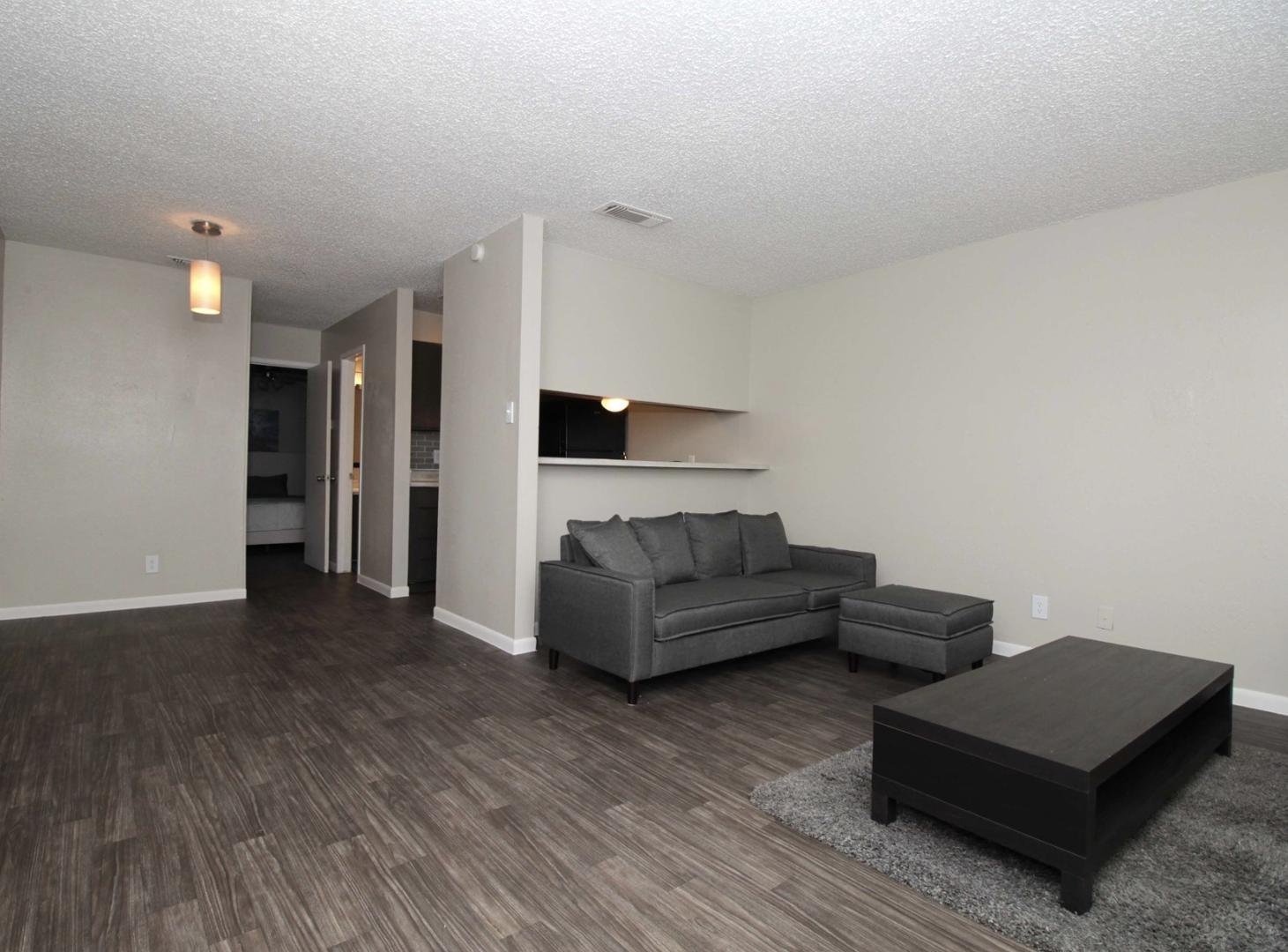 7810 Callaghan Road #1011, San Antonio, TX - $649 USD/ month