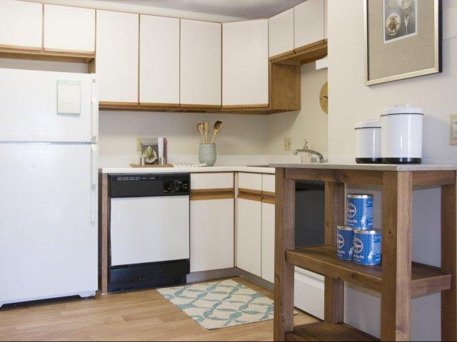 54 Brook Street #21-23, Haverhill, MA - $1,610 USD/ month