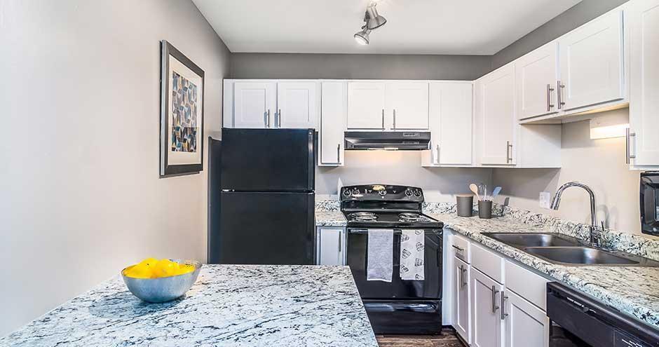 500 Lakehurst Rd #5181L, Waukegan, IL - $1,088 USD/ month
