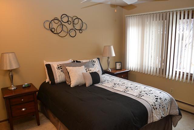 5290 Villa Way #255, Edina, MN - $2,690 USD/ month
