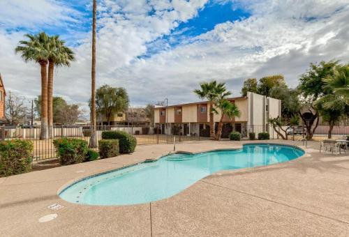 6030 N 15th St #15, Phoenix, AZ - $2,375 USD/ month