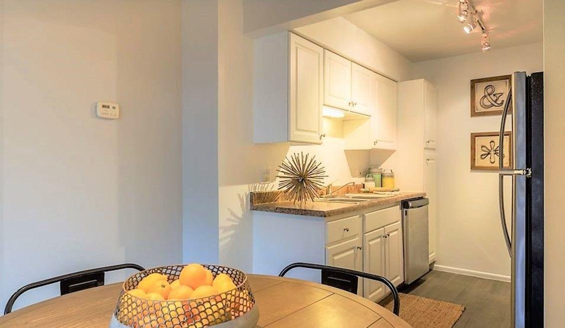 201 Oakley Drive North #12-110, Westmont, IL - $1,940 USD/ month