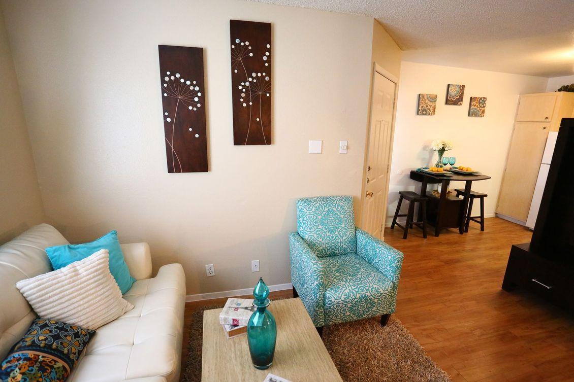 5470 W Military Drive #2203, San Antonio, TX - $630 USD/ month