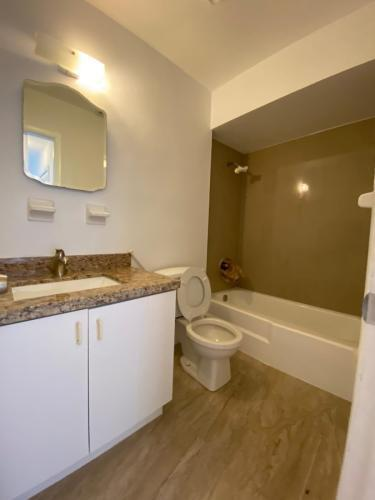 2301 NE 170th St #7, North Miami Beach, FL - $2,000 USD/ month