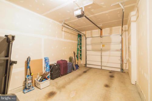 13528 Waterford Hills Blvd, Germantown, MD - 2,050 USD/ month