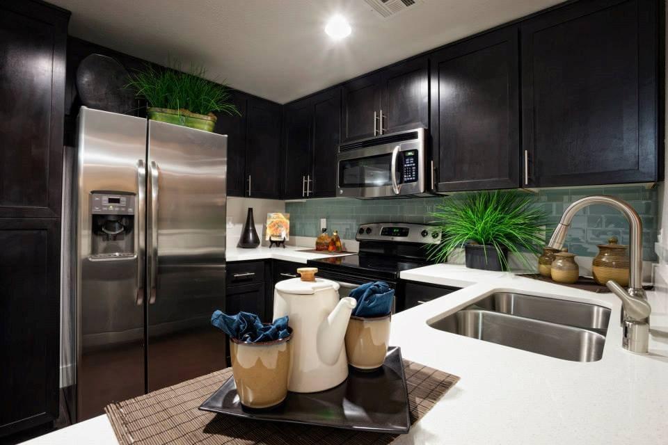 10833 Wilshire Blvd #602, Los Angeles, CA - $4,235 USD/ month