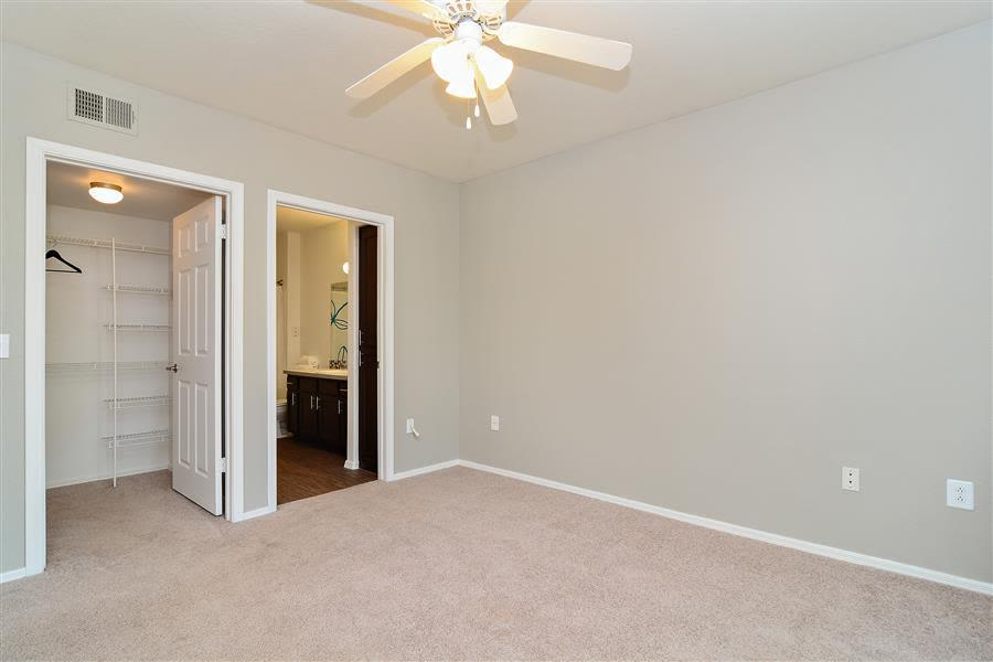 5102 E Piedmont Road #2205, Phoenix, AZ - $2,022 USD/ month