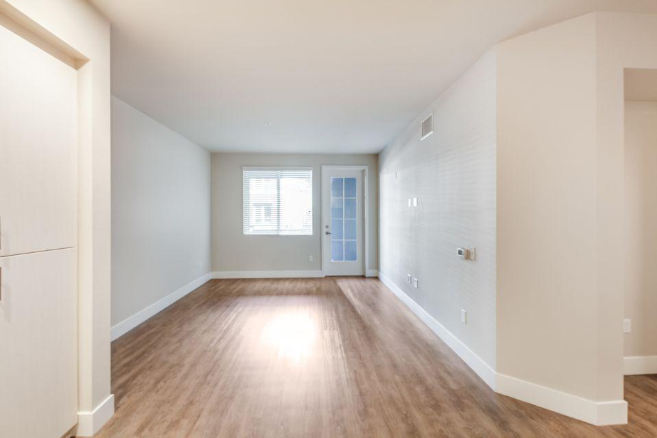 250 W Santa Fe Ave #404, Fullerton, CA - $2,145 USD/ month