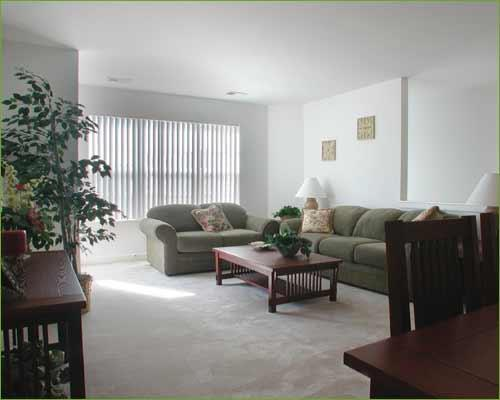 302 E Kendall Dr #FP-Model A, Yorkville, IL - $1,525 USD/ month
