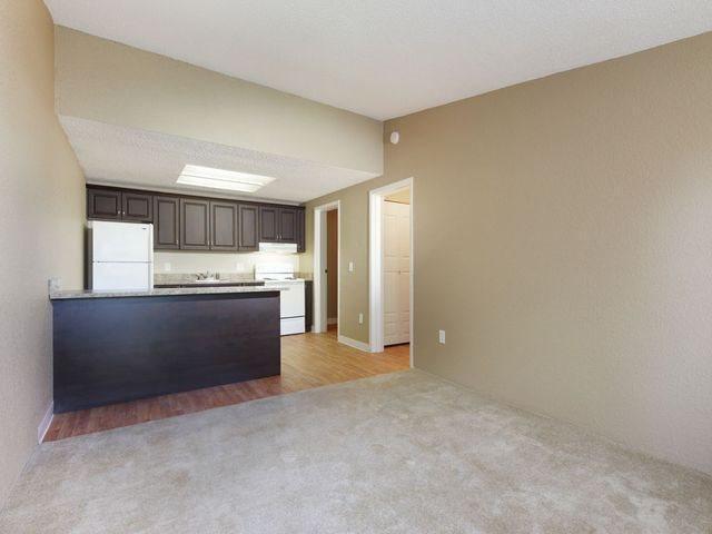 3215 SW 52nd Avenue #21580, Pembroke Park, FL - $1,165 USD/ month