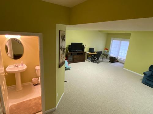 22561 Welborne Manor Sq #-, Ashburn, VA - $2,800 USD/ month