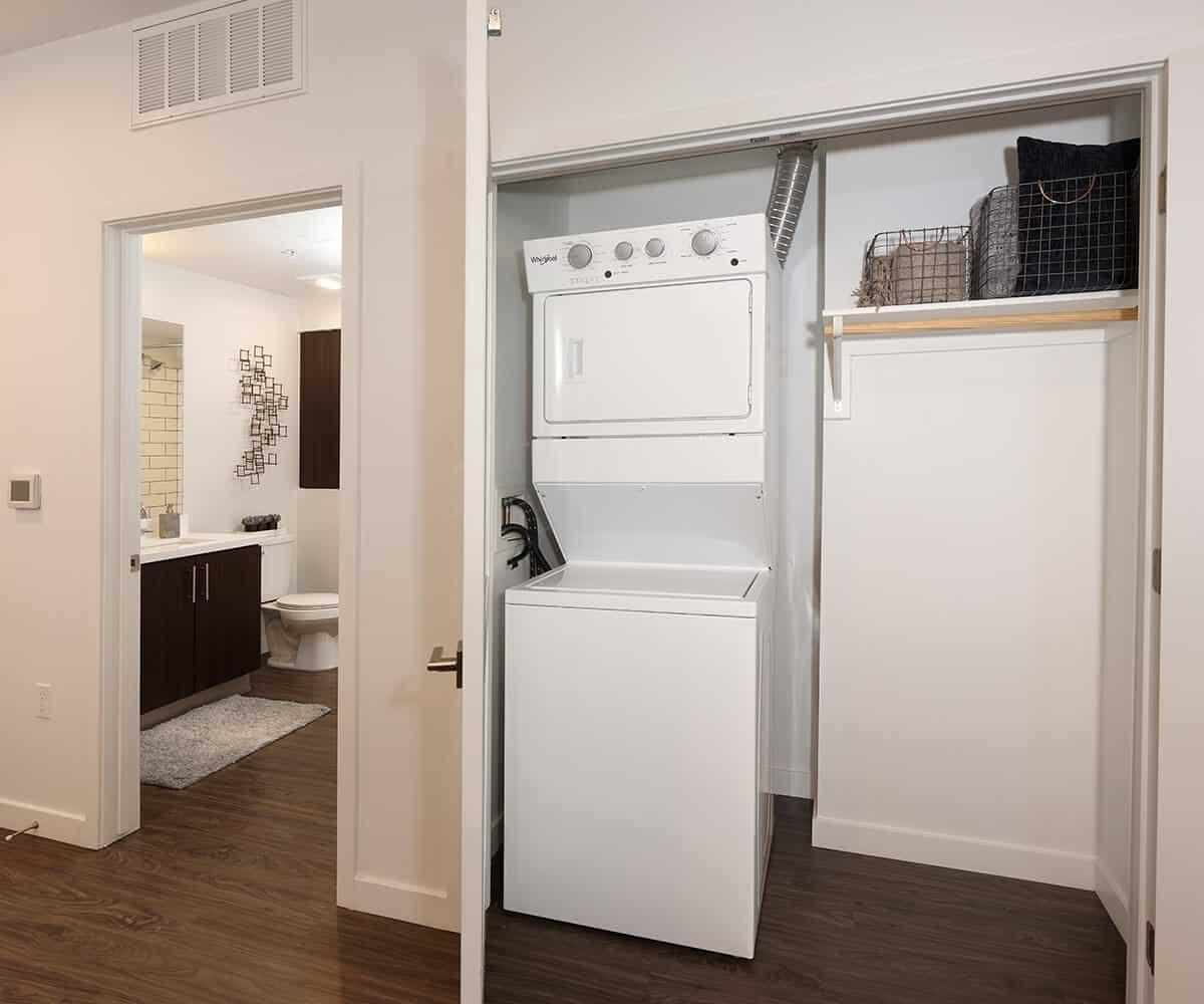 228 W Pomona Ave #509, Monrovia, CA - $2,327 USD/ month