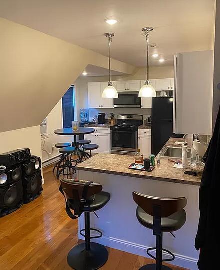 28 Harwood St #3, Boston, MA - $1,800 USD/ month