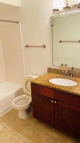 5156 Conroy Rd #1124, Orlando, FL - $1,350 USD/ month