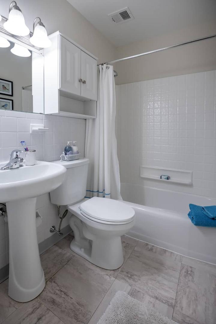 624 Walpole Street #30-205, Norwood, MA - $1,609 USD/ month