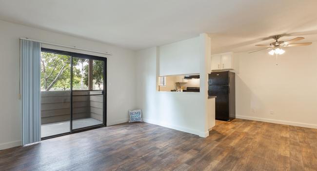 924 Encinitas Boulevard #105, Encinitas, CA - $1,875 USD/ month