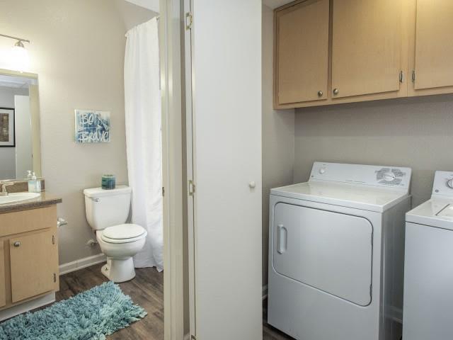 1299 Antelope Creek Dr #054, Roseville, CA - $2,340 USD/ month