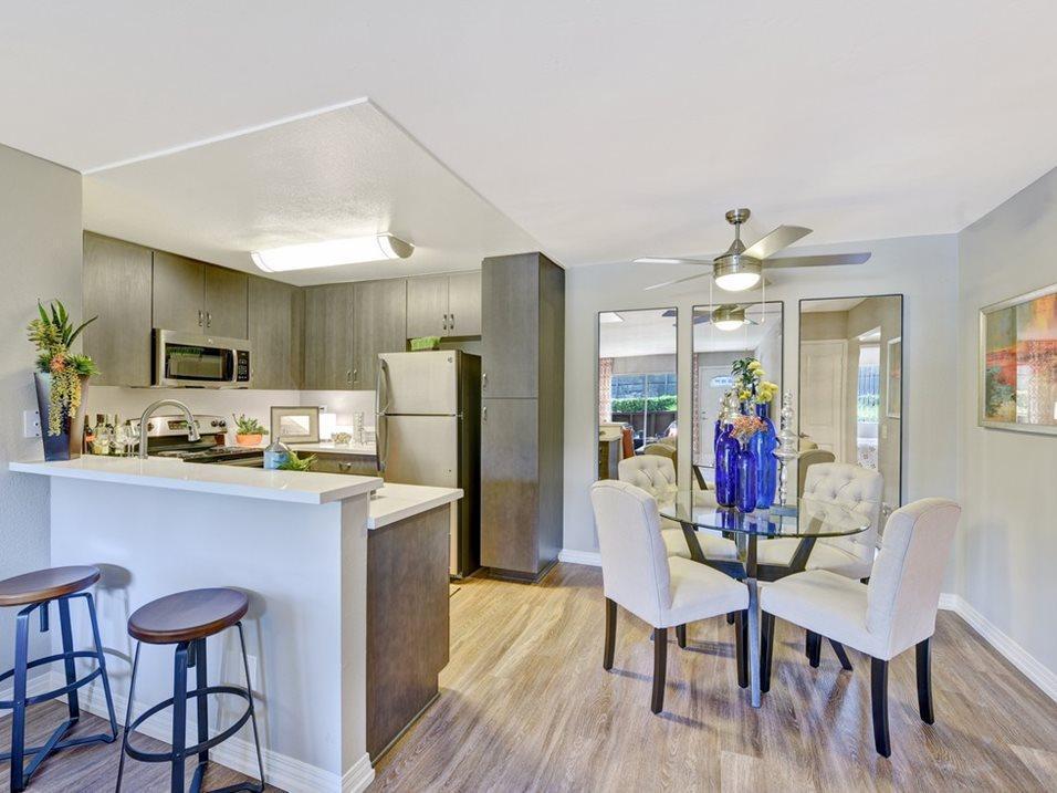 2450 Hilton Head Pl #2064, El Cajon, CA - $2,230 USD/ month