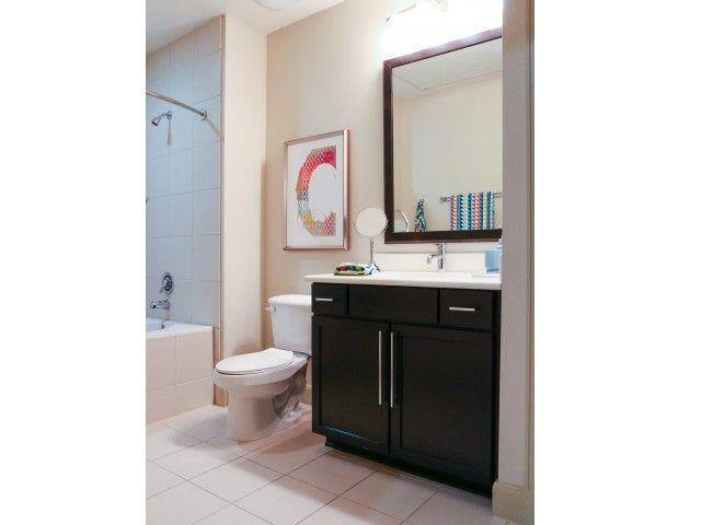 1755 Cres Plaza Dr #1061, Houston, TX - 1,125 USD/ month