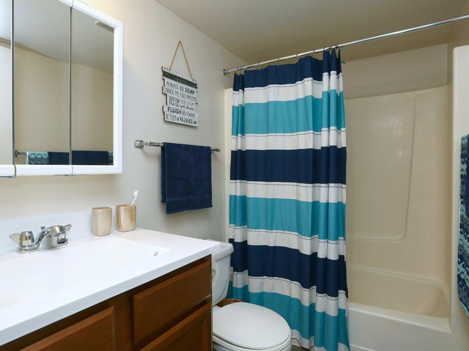 1820 Wessel Ct #1839, St. Charles, IL - $1,330 USD/ month