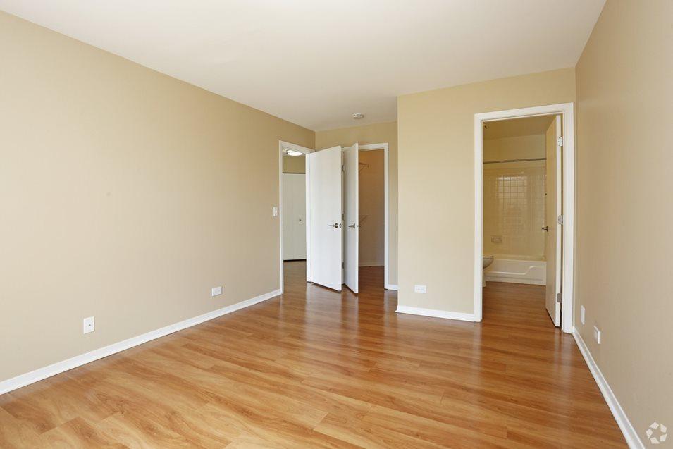 1421 Carolina Ct #813101VI, Schaumburg, IL - $1,597 USD/ month