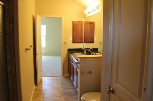 5439 Sunlit Brk, San Antonio, TX - $1,850 USD/ month