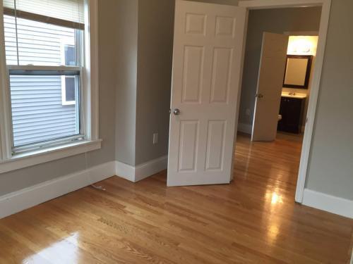 20 Chelsea St #4, Boston, MA - 2,400 USD/ month