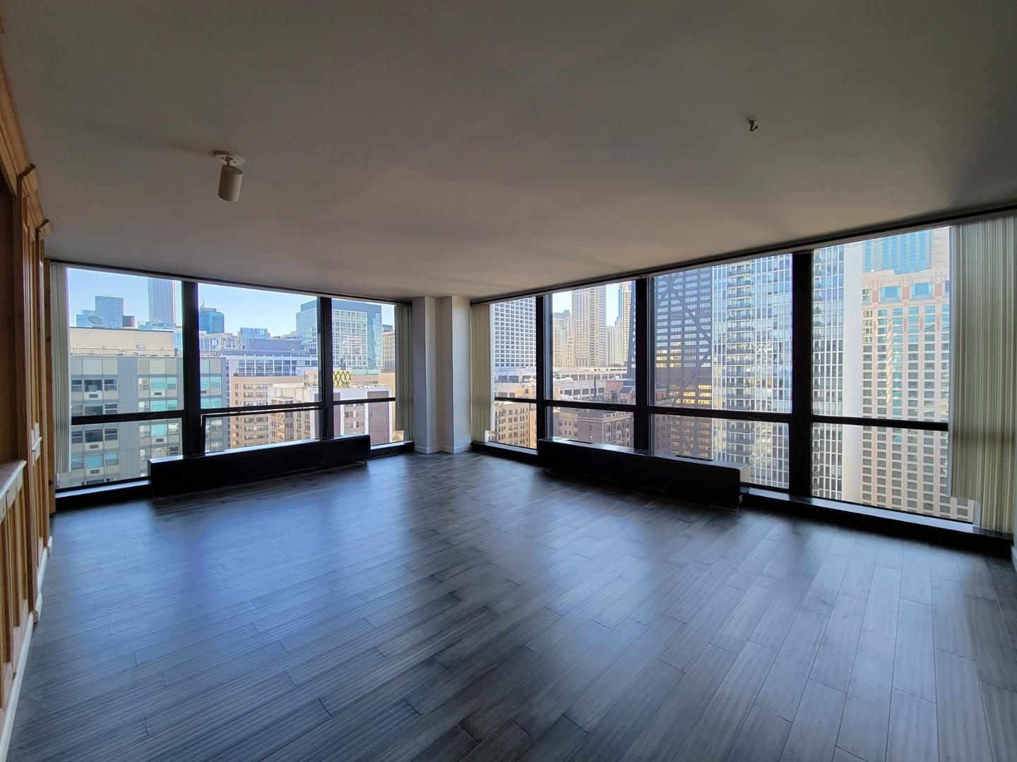 910 N Lake Shore Dr #2416, Chicago, IL - $1,950 USD/ month