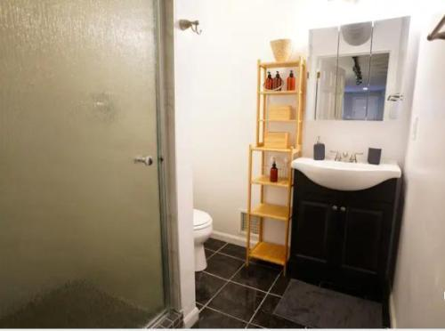 2153 W Potomac Ave #G, Chicago, IL - $1,550 USD/ month