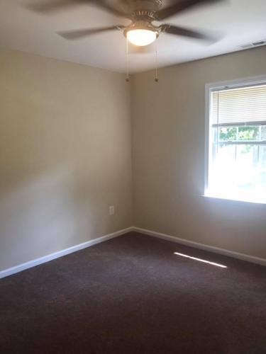 1015 Pine Rd, Essex, MD - $1,750 USD/ month