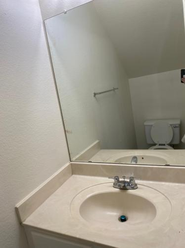 1601 N Saba St #312, Chandler, AZ - 1,400 USD/ month