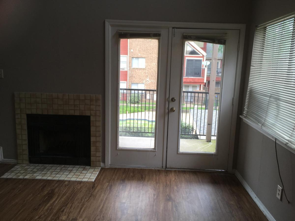 9835 Walnut St #R207, Dallas, TX - $925 USD/ month