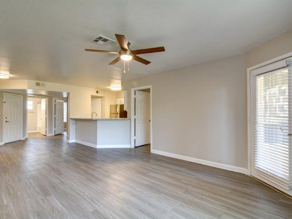 110 E Greenway Pkwy #1117, Phoenix, AZ - 2,648 USD/ month