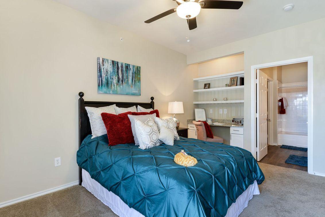101 N Roaring Springs Road #07202, Westworth Village, TX - 1,007 USD/ month
