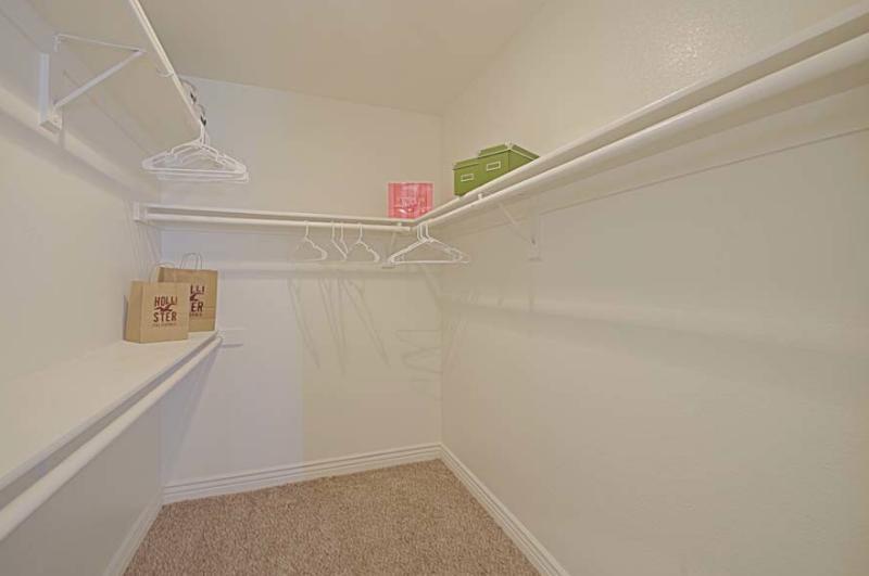 4620 W McDowell Rd #2140, Phoenix, AZ - 843 USD/ month
