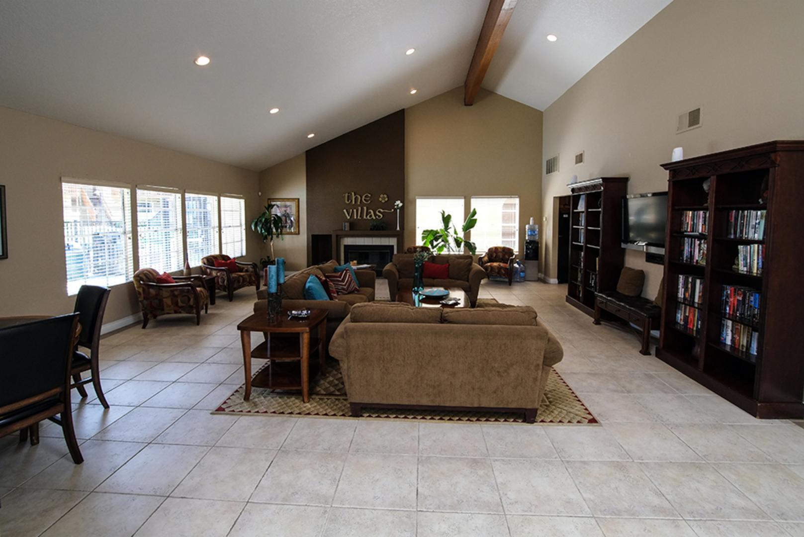 11203 Paseo Montanoso #117, San Diego, CA - 2,089 USD/ month