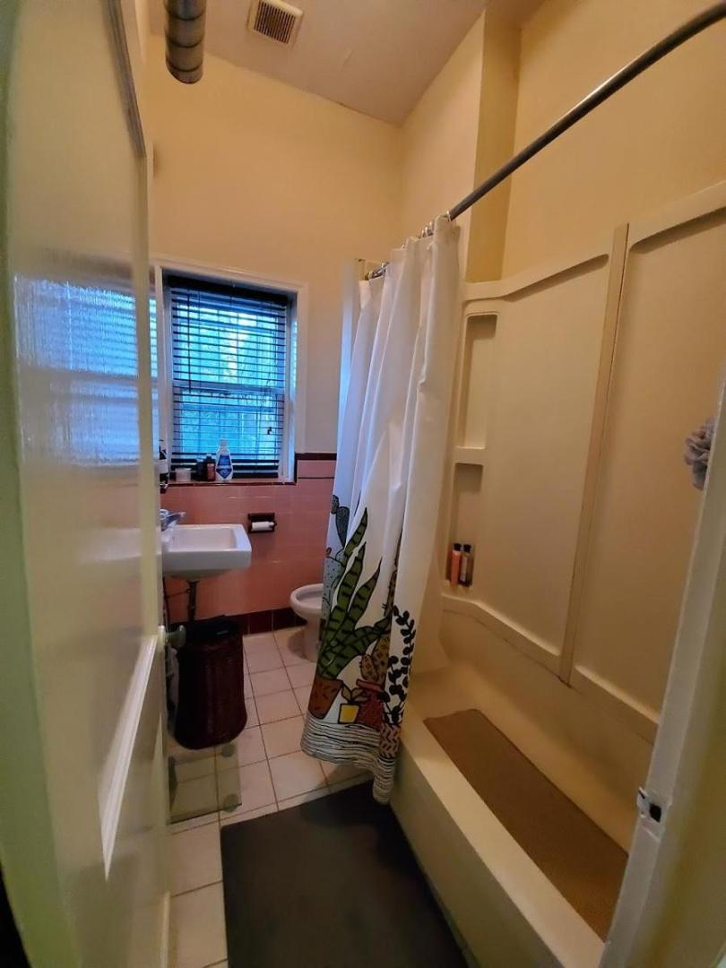 4302 Osage Ave #2, Philadelphia, PA - 1,700 USD/ month