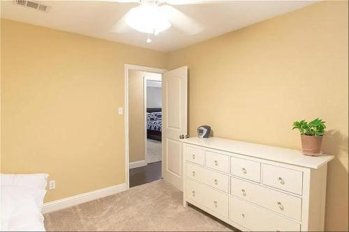 3317 Newkirk Dr, Plano, TX - 2,700 USD/ month
