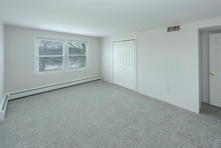 26 Arthur Avenue #CS17-01, East Providence, RI - 1,290 USD/ month