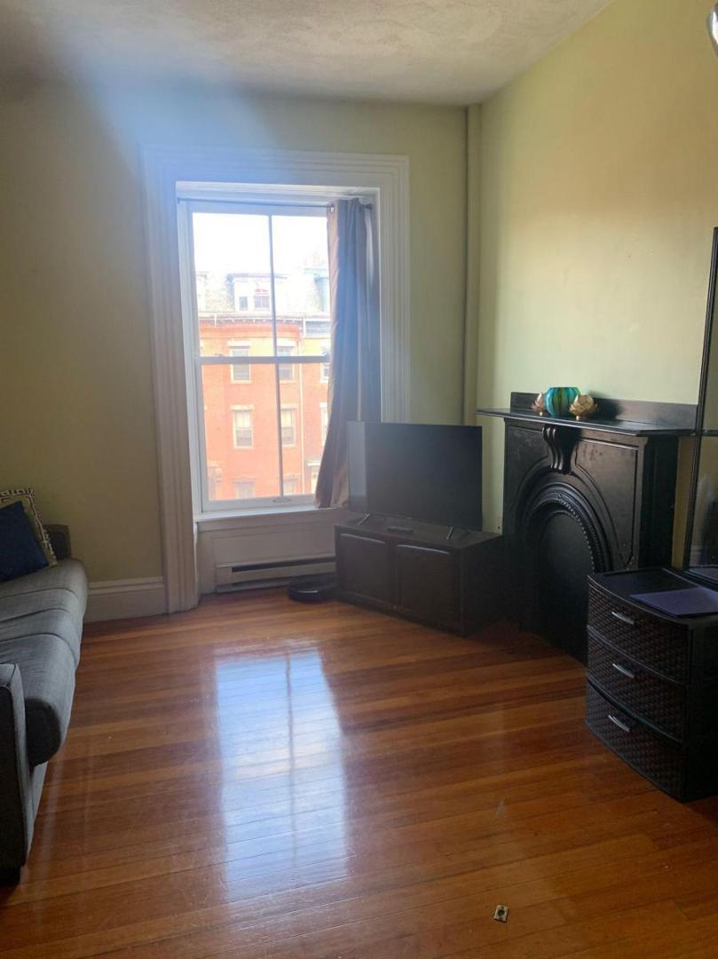 701 Massachusetts Ave #7, Boston, MA - 1,950 USD/ month
