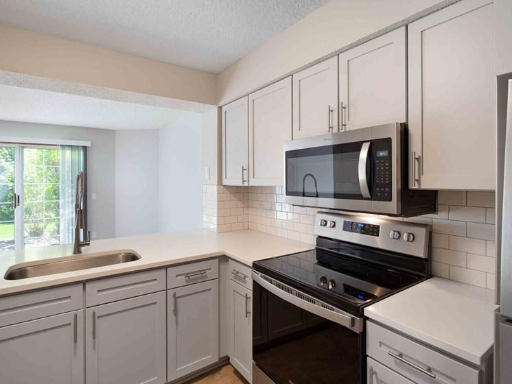 8630 Sumer Wind Alcove #8655HB, Woodbury, MN - 1,918 USD/ month