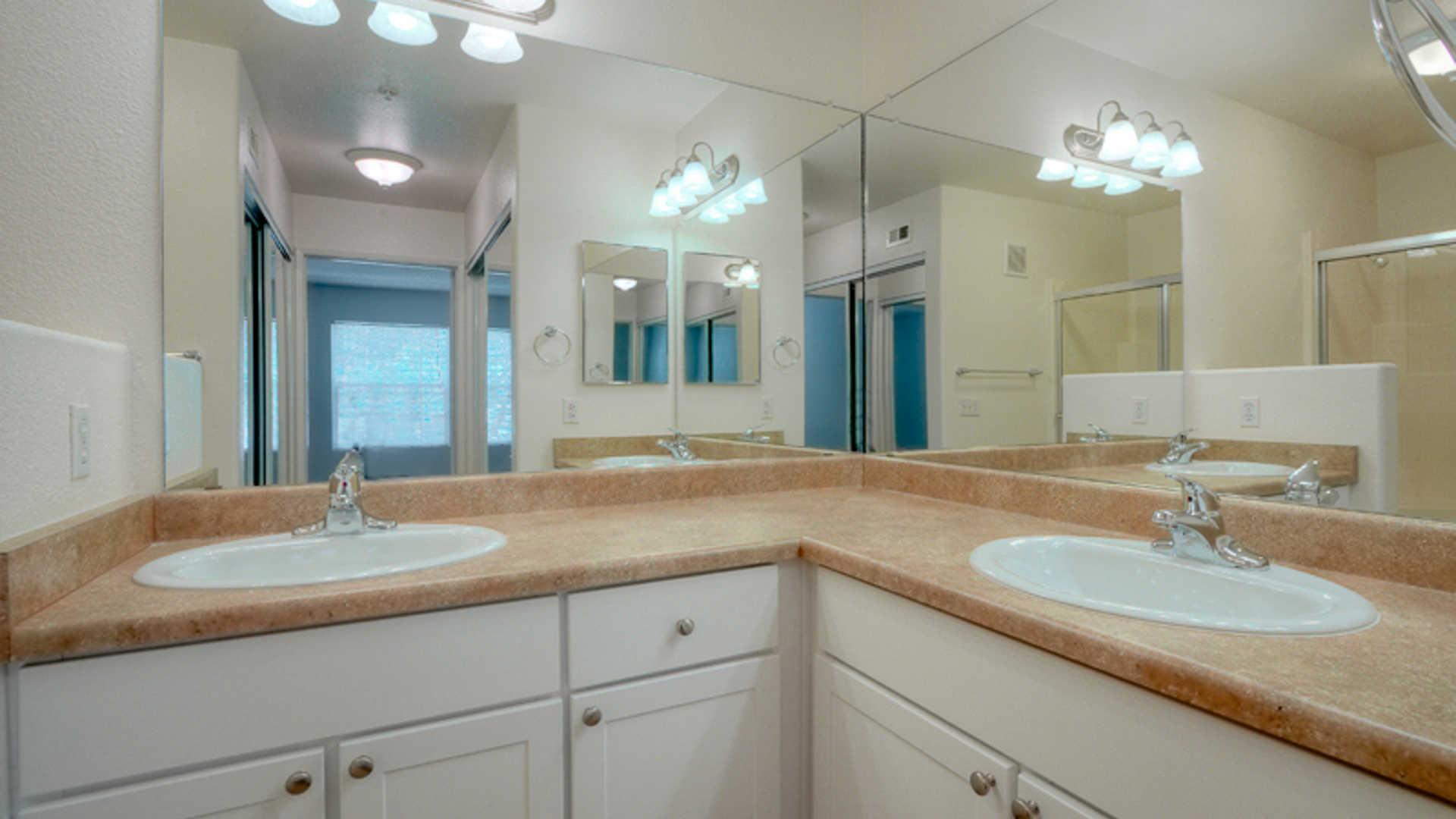 12435 Heatherton Court #275, San Diego, CA - 2,422 USD/ month