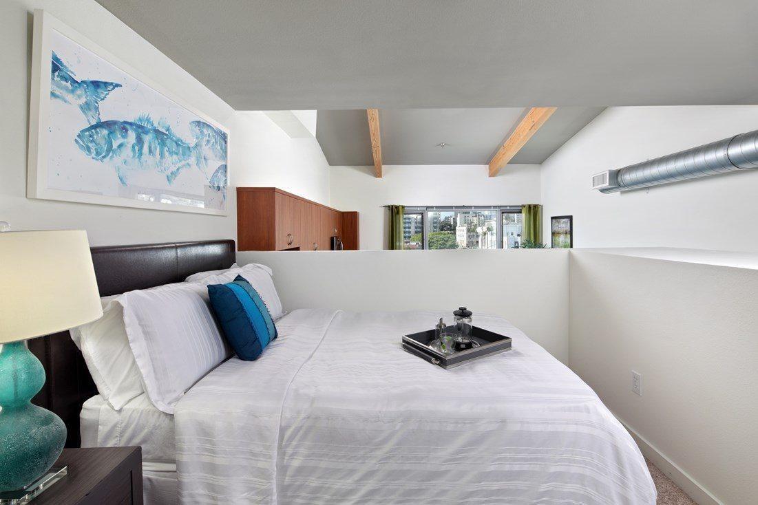 677 Seventh Avenue #0416, San Diego, CA - 2,029 USD/ month