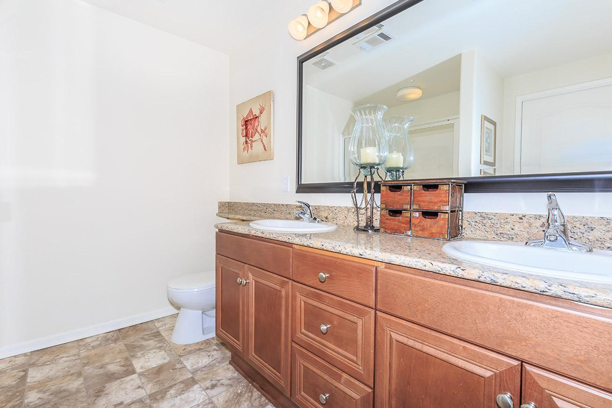4655 Governor Drive #582412, San Diego, CA - 2,948 USD/ month