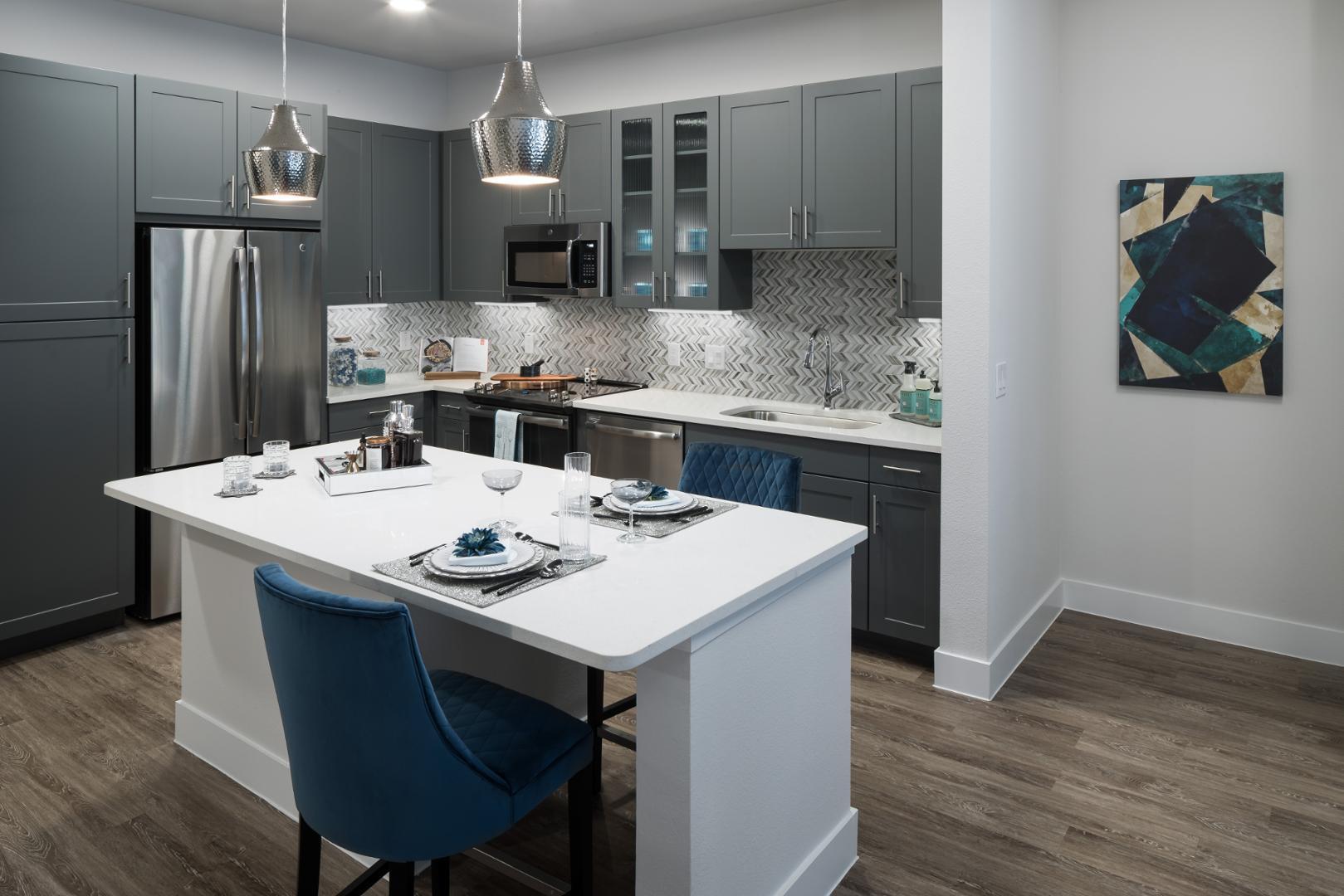 4001 Ross Avenue #554, Dallas, TX - 1,605 USD/ month