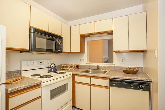 1801 Broadacres Drive #402, Clementon, NJ - 2,160 USD/ month